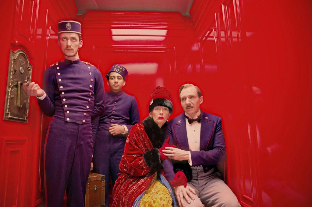 Zero (Tony Revolori), Madame D. (Tilda Swinton) ve Gustave (Ralph Fiennes)