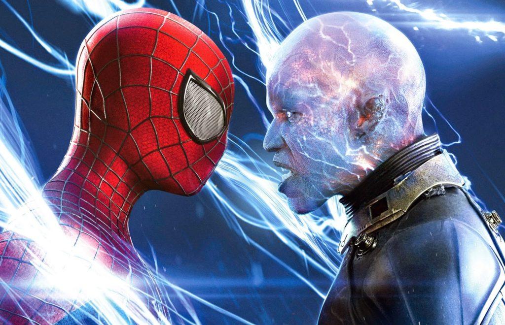 Örümcek Adam (Andrew Garfield) ve Electro (Jamie Foxx)