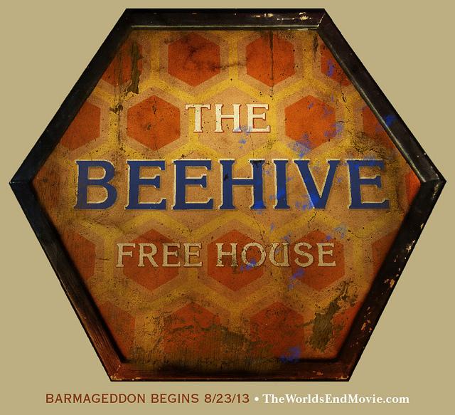 The-Beehive-worlds_end_filmdoktoru
