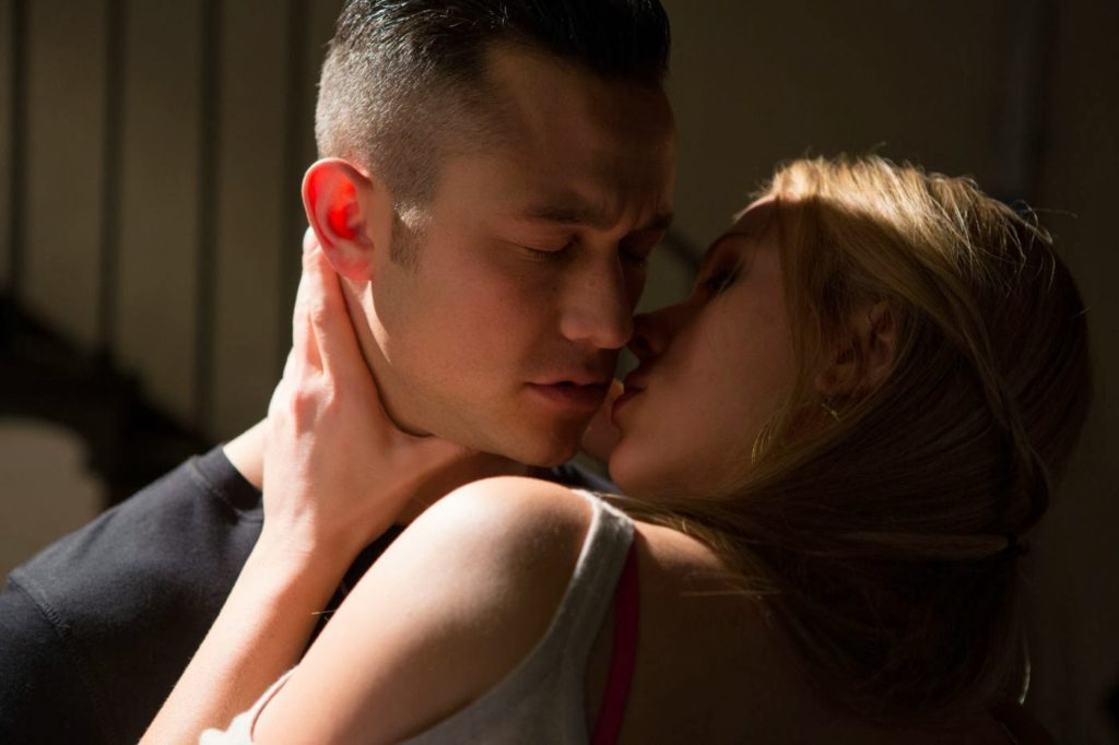 Barbara Sugarman (Scarlett Johansson) ve Jon Martello (Joseph Gordon-Levitt)