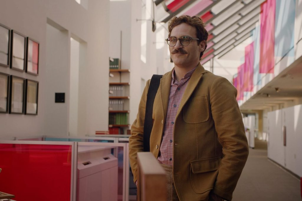 Theodore (Joaquin Phoenix)