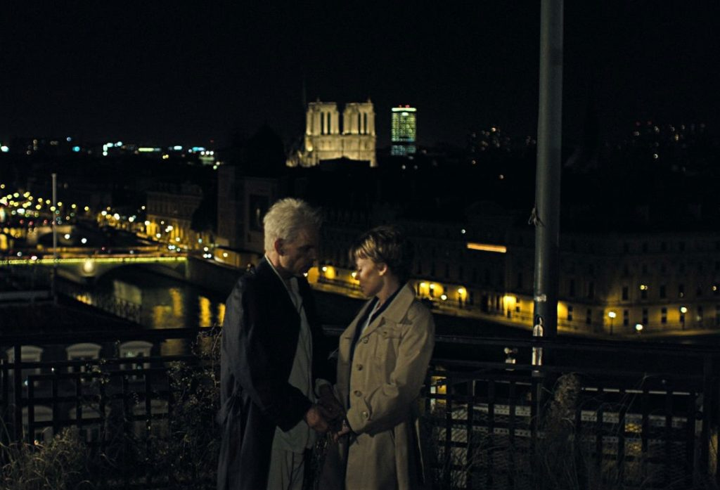 Monsieur Oscar (Denis Lavant) ve Eva Grace/Jean (Kylie Minogue)