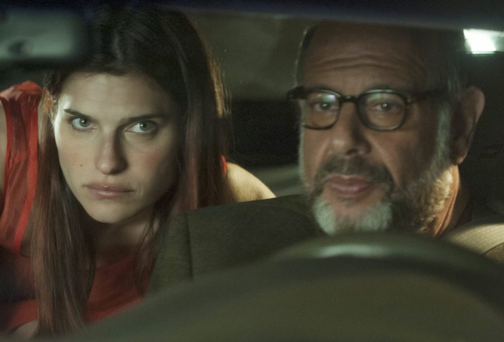 Carol (Lake Bell) ve Sam (Fred Melamed)