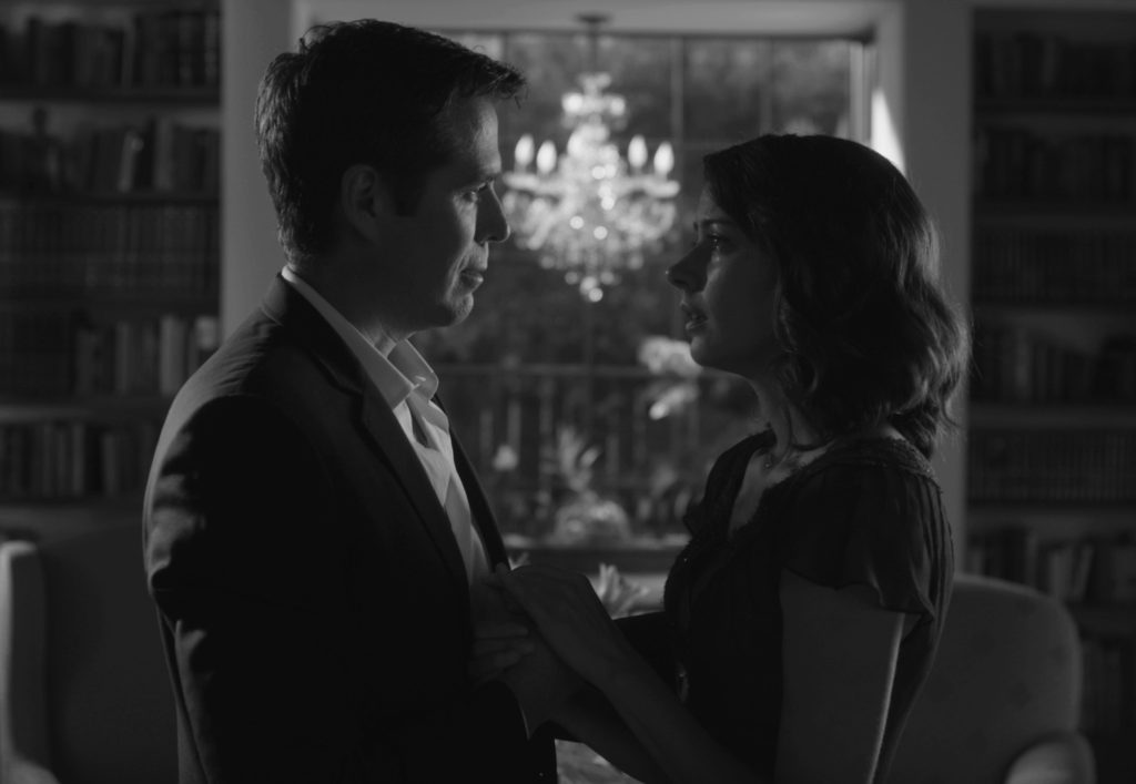 Benedik (Alexis Denisof) ve Beatrice (Amy Acker)