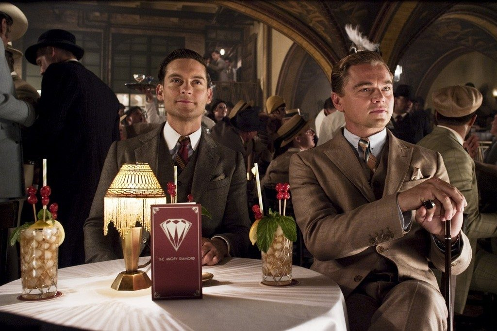 Nick Carraway (Tobey Maguire) ve Jay Gatsby (Leonardo DiCaprio)