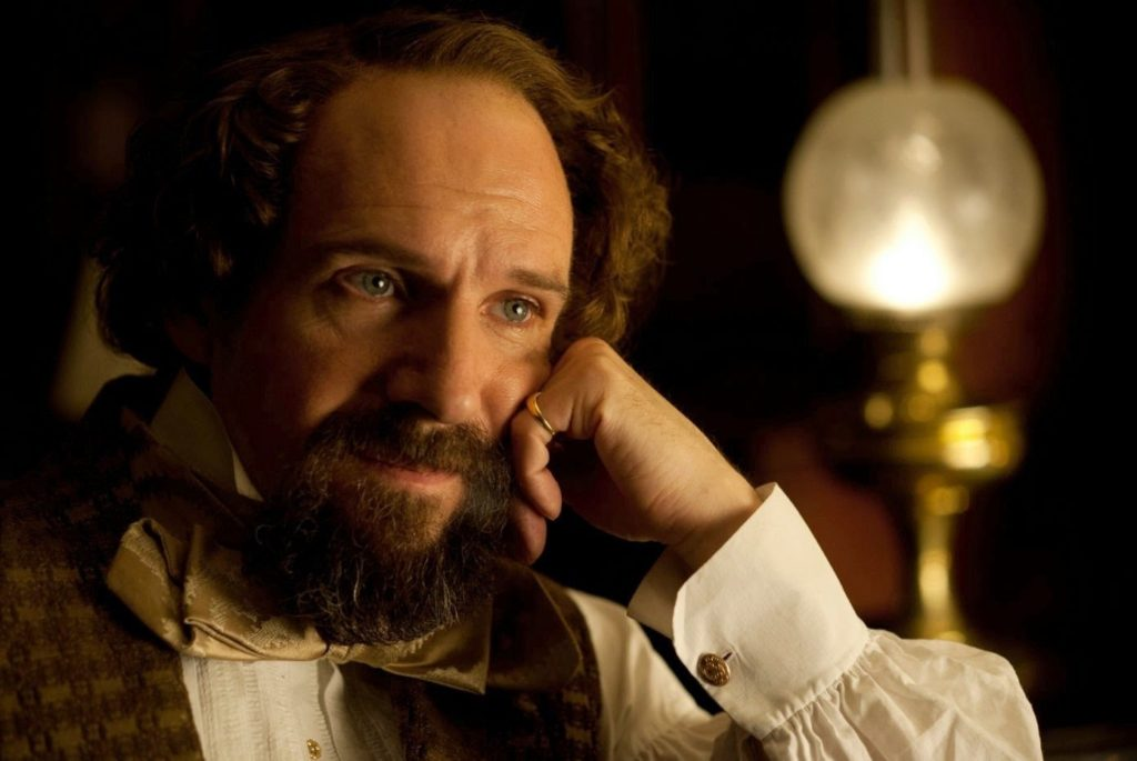 Charles Dickens (Ralph Fiennes)