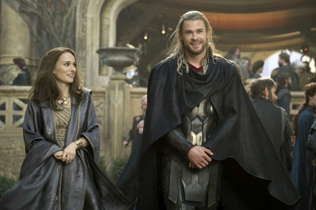 Jane (Natalie Portman) ve Thor (Chris Hemsworth)