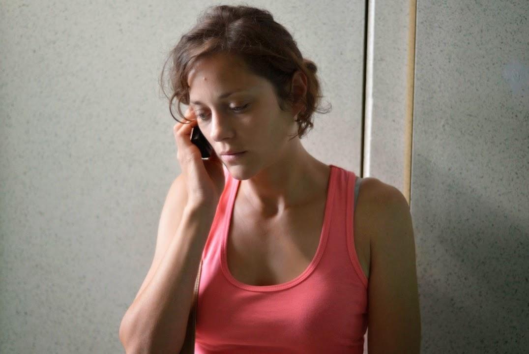 Sandra (Marion Cotillard)
