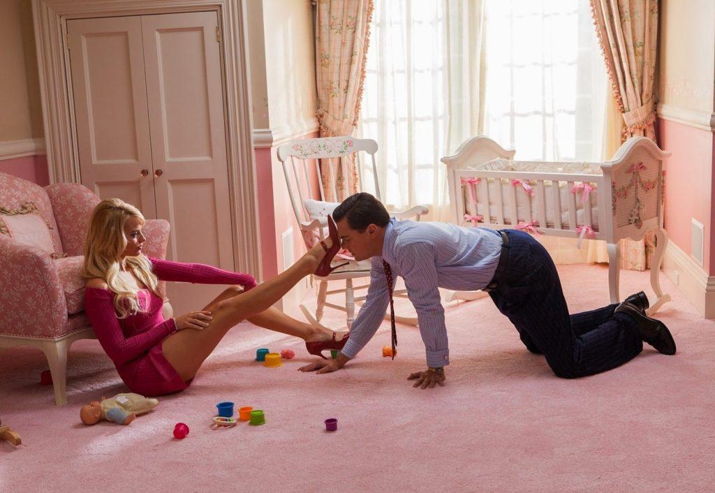Naomi Lapaglia (Margot Robbie) ve Jordan Belfort